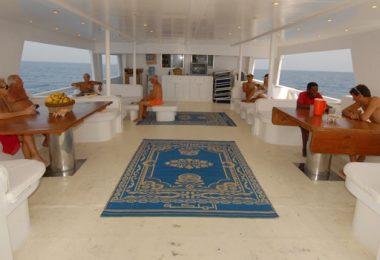 Charter motoryacht Felicidad II