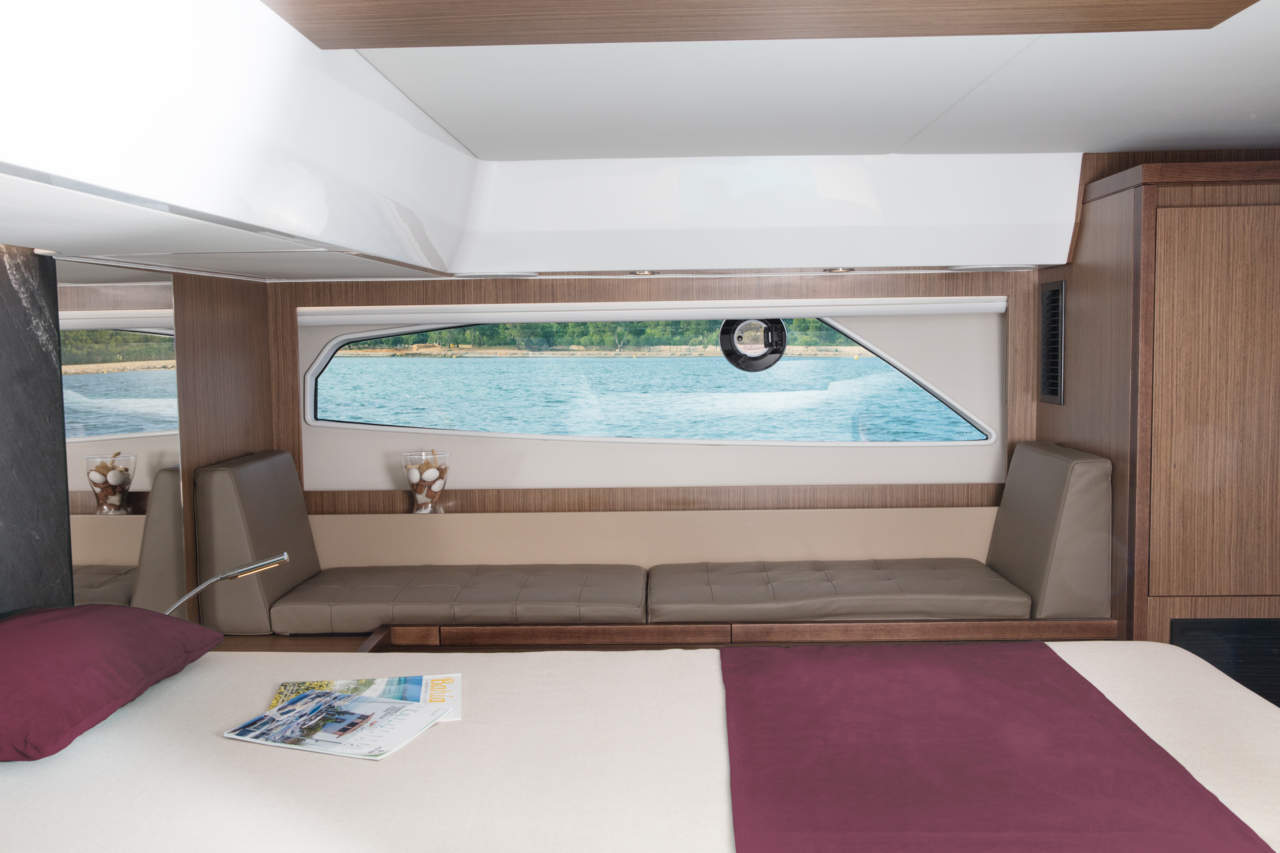 Sealine F530  Shooting Mallorca Master Cabin