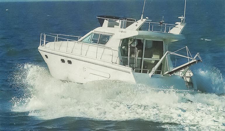 Barche di una volta a motore, il cabinato italo-francese Yarding 35