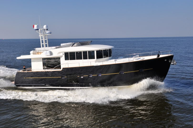 Cantieri estensi yachts due open day per presentare le for Novita nautica 2017