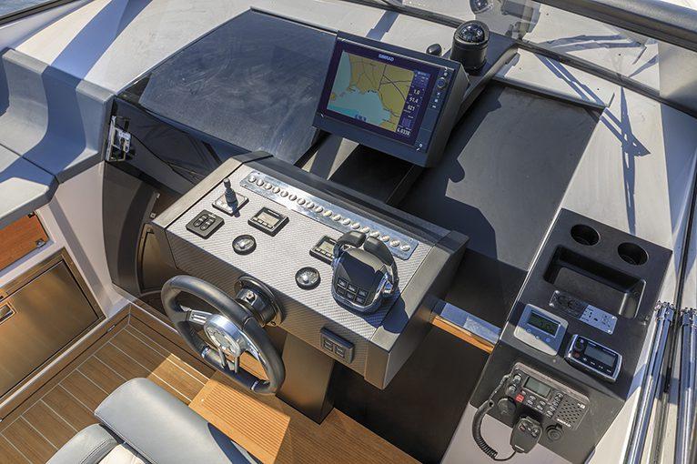 Rio Yachts 40 Spider