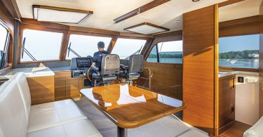 Grand Banks GB 60 Skylounge