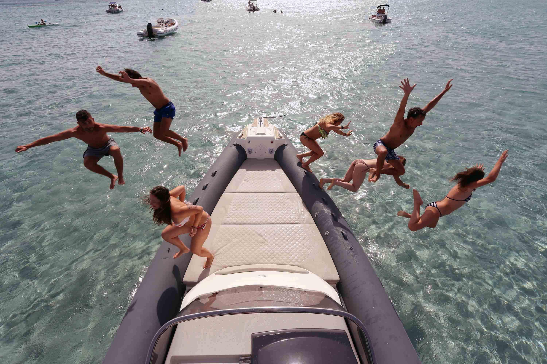 divertimento in barca
