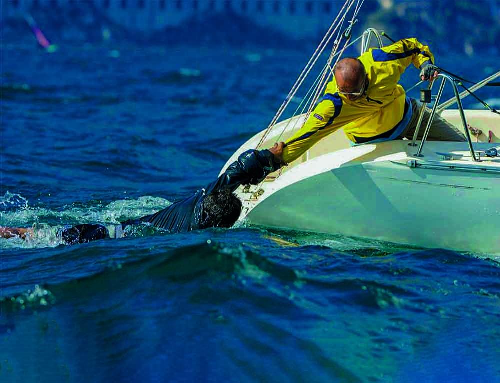 recupero uomo a mare