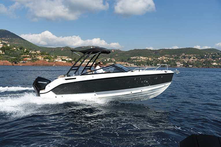 Quicksilver Activ 675 Bow Rider