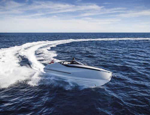 La prova in mare del Fairline Yachts F//Line 33
