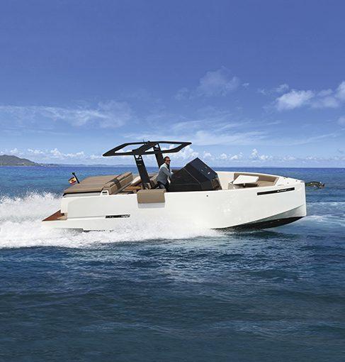 La prova di navigazione del De Antonio Yachts D28 Open