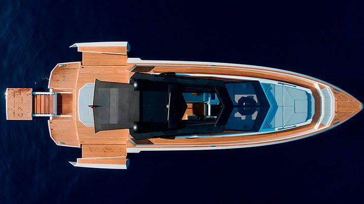 Evo yacht R6