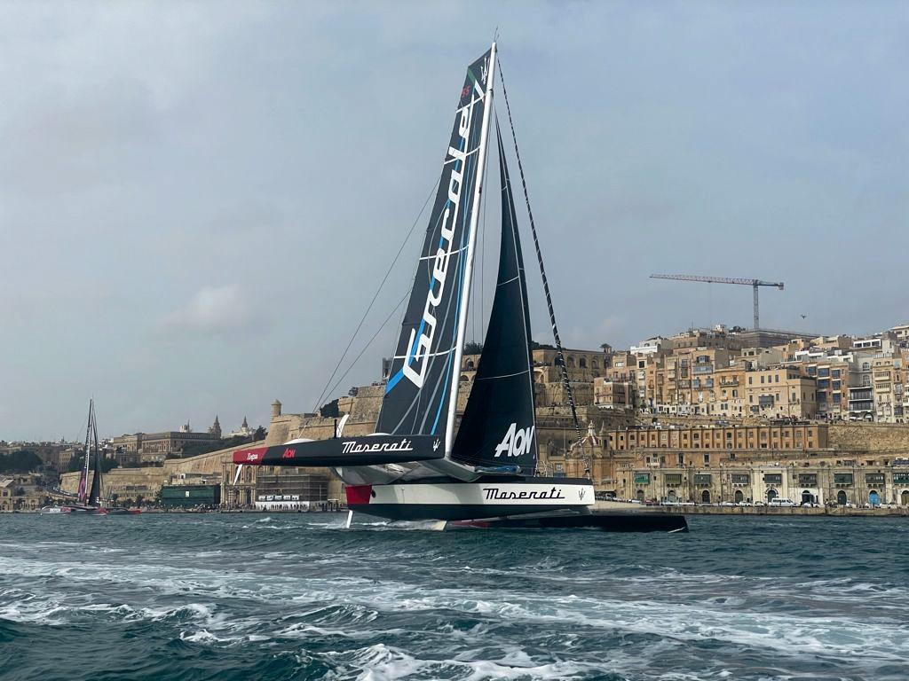Maserati Multi 70 e Giovanni Soldini tagliano il traguardo della Rolex Middle Sea Race al secondo posto